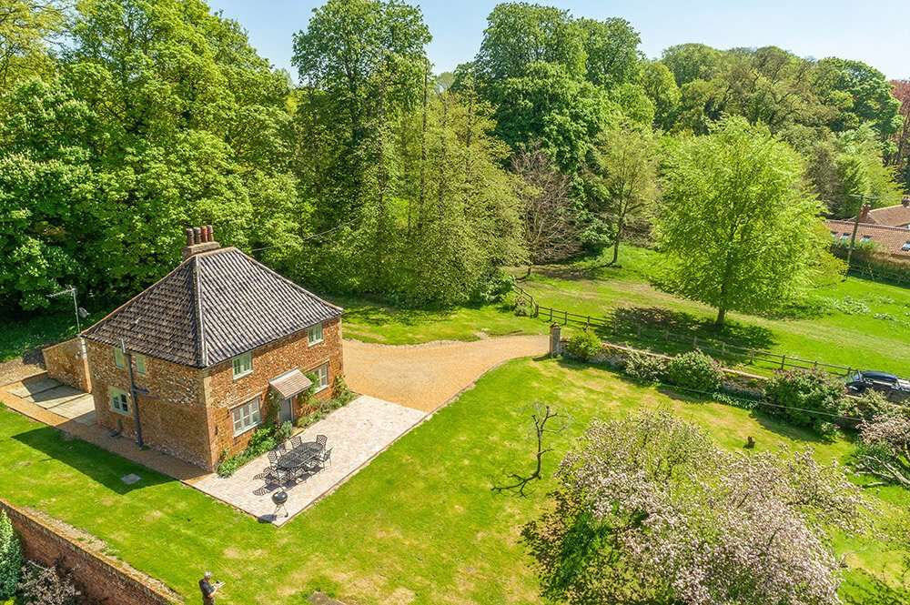Aerial shot of Park Cottage on the Fring country estate