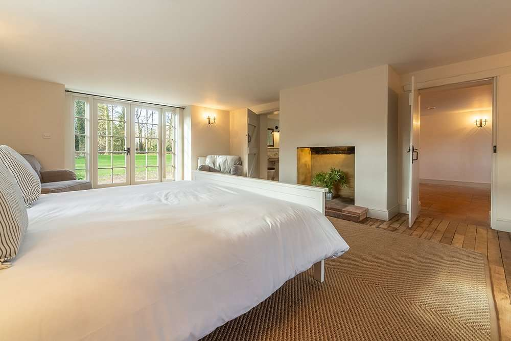 The en-suite double bedroom at Market Square House, luxury holiday cottage in Norfolk